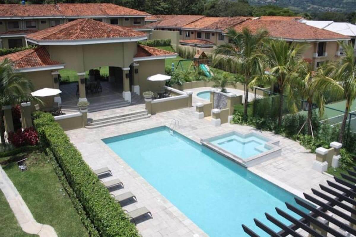 Casa en condominio almer a premium brokers for Casa ciudad jardin almeria